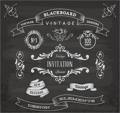 ヴィンテージ風のマークが描かれた黒板。